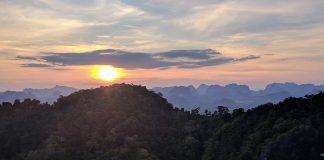 พระอาทิตย์ตก ที่ วัดถ้ำเสือกระบี่